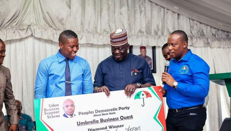 PDP-Donates-N1-Million-To-Winners-Of-The-Maiden-Edition-Of-The-Umbrella-Business-Quest-2-770x439_c